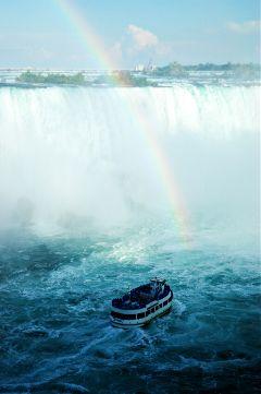 niagara falls waterfall maid of the mist canada travel