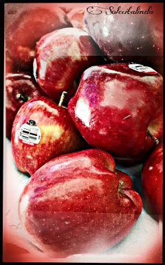 halftone dots hdr1 red emotions manzanas